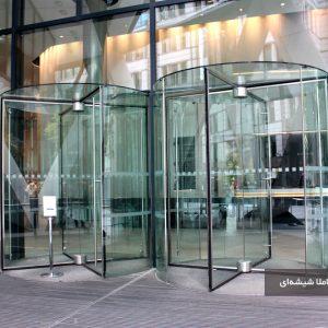 امکان طراحی درب اتوماتیک گردان به صورت کاملا شیشهای و بدون فریم